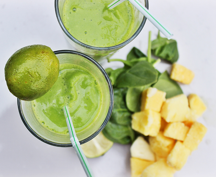 Tropical green smoothie for all the family